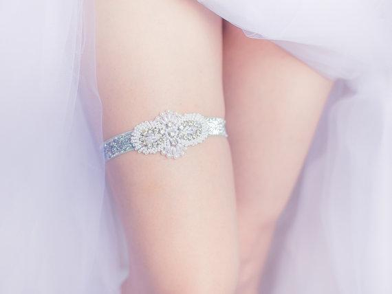 Свадьба - Wedding Garter Belt- rhinestones, pearls, rhinestone garter belt, Bride lingerie, gift for bride, bachelorette party, bridal shower