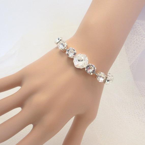 Mariage - Crystal Bridal bracelet, Simple Wedding bracelet, Wedding jewelry, Swarovski crystal bracelet, Rhinestone bracelet, Bridesmaid bracelet