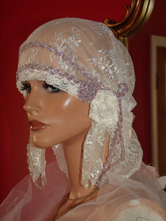 Wedding Flapper Hat Cloche Hat 1920 Style Bridal Antique White Silver  Metallic Lace 9e7acd32ecf