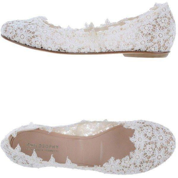 Hochzeit - 42 Pairs Of Wedding Flats To Keep You Comfy & Cute On Your Big Day