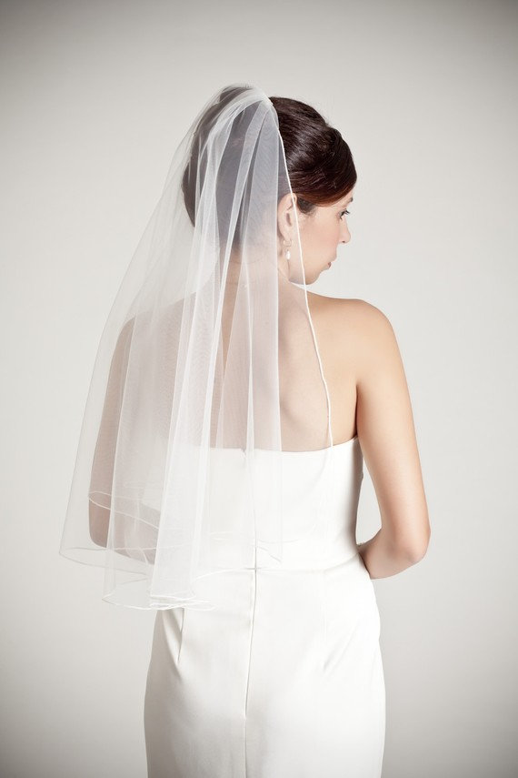 Mariage - Waterfall - one layer wedding bridal veil, with a thin seam edge, gathered on top, white or ivory