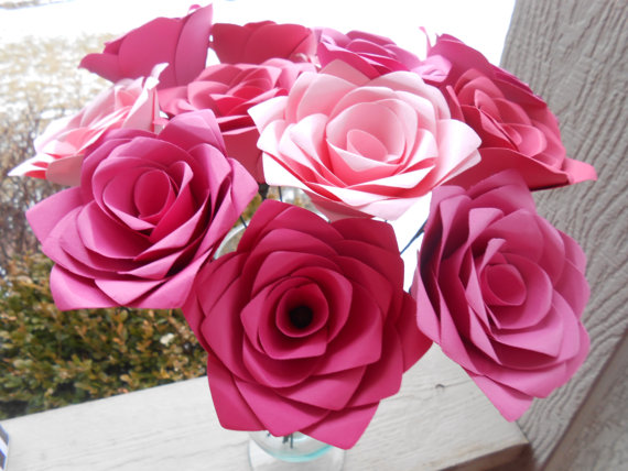 Mariage - Dozen Pink Paper Roses. Paper Flowers That Last Forever. Handmade Bouquet. ANY COLOR Available. Custom Orders WELCOME.