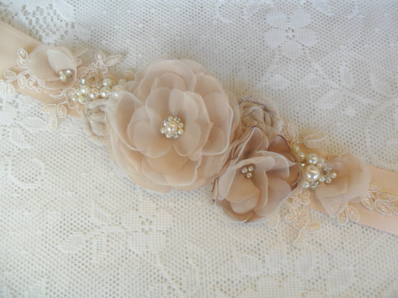 Mariage - Floral Sash, Champagne Sash, Pearl & Lace Sash, YOUR CHOICE COLOR, Vintage Style Sash, Bridal Accessory, Lace Sash, Wedding Dress Accessory