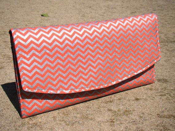 Mariage - Coral and Silver Metallic Chevron Clutches, Personalized wedding gifts, Bridesmaids gifts, Clutch, Fold over clutch, Envelope clutch,