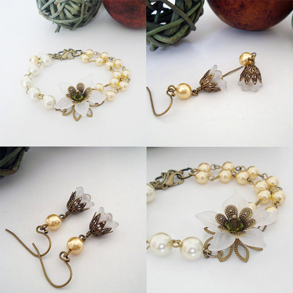 Свадьба - Gold Blossom - Charm bracelet, Friendship bracelet - bridesmaid, wedding jewelry, dangle earrings, drop earrings