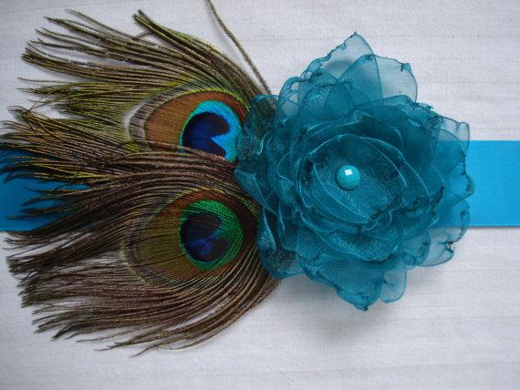Свадьба - Peacock Wedding Bridal Sash or Belt, Peacock and Flower Feather Sash, Custom Colored Peacock Satin Sash or Belt