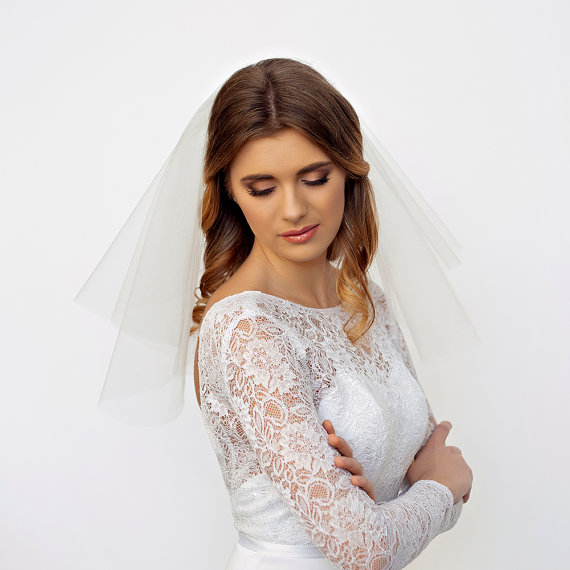 Mariage - Bridal Veil Fingertip, Bouquet, Elbow, Shoulder Lengths - Bridal Tulle Veil - Double Layer Cut Edge Wedding Veil - Bridal Veil Short