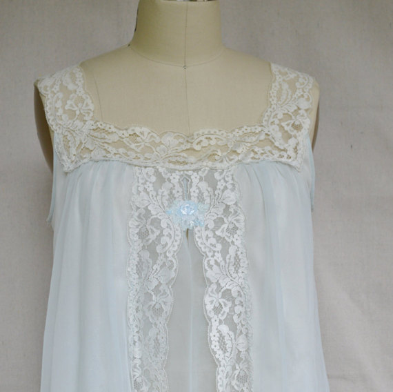 Свадьба - Vintage Babydoll Nightie 1960s Shadowline Teddie Top Pale Blue Nylon with White Sheer Chiffon White Lace Trim Open Front Very Short  Small