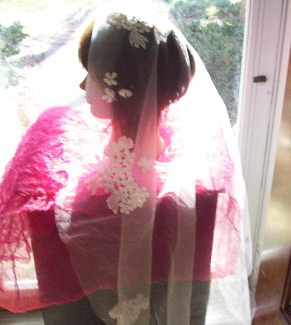Mariage - Vintage Bridal Lace Veil Fabric - White, Flowers - 1960's - Gorgeous!