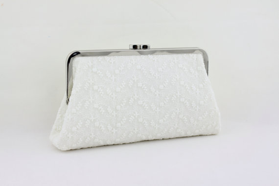 زفاف - Ivory Lace on White Bridal Clutch / White Lace Wedding Clutch / Bridal Purse / Bridesmaid Clutch - Star Flowers