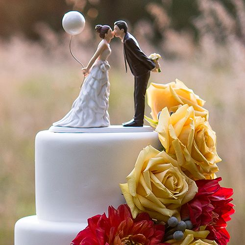 Hochzeit - Leaning In For A Kiss - Balloon Wedding Cake Topper
