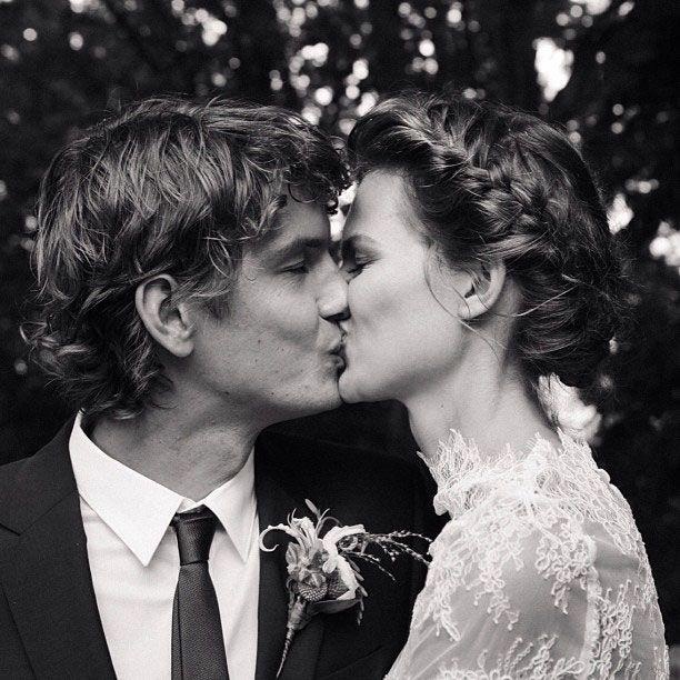 Свадьба - The Best Wedding Hair Of All Time: From Gisele Bündchen's Tousled Waves To Audrey Hepburn's Flower Crown
