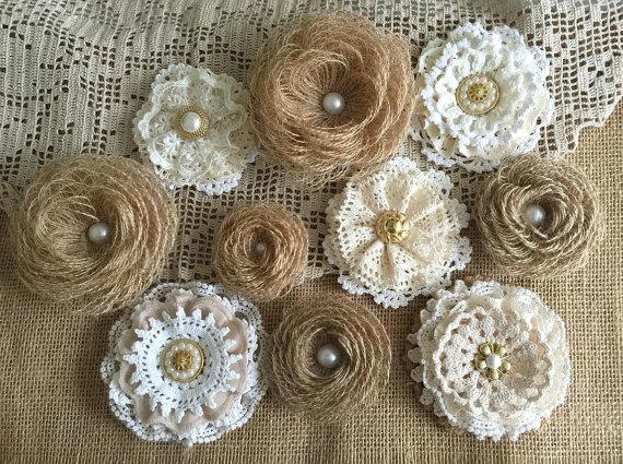 Mariage - 10 rustic lace and burlap handmade flowers - wedding cake topper, decoration, craft projects, jar decoration