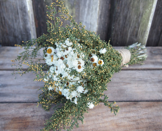Mariage - Simple COUNTRY Bridesmaid Dried Flower Bouquet - Perfect for your Rustic Wedding