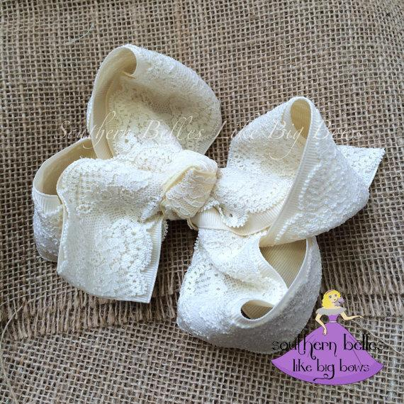 Mariage - Ivory and Lace Bow, Big Lace Bow, Big Ivory Bow, Lace Hair Bow, Ivory Hairbow, Flower Girl Bow, Lace Hairbow, Wedding Bow, Southern Bow