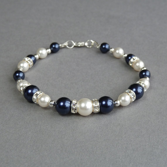 Свадьба - Navy Blue Bracelet - Dark Blue Bridesmaids Jewelry - Midnight Blue Pearl and Crystal Jewellery - Wedding Accessories - Bridesmaid Gifts