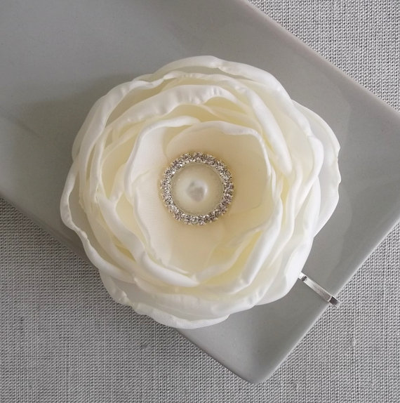 Wedding - Cream Ivory Beige flower in handmade Bridal Bridesmaids accessory Hair Shoe Clip Dress Sash Brooch Flower girls Bobby Pin Weddings Pearl