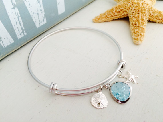 Mariage - Aquamarine Bangle,Starfish Bangle,Sand dollar Bangle,Silver bangle,Aqua,Cracked Aquamarine,Bridesmaid Bangle,Beach Wedding,Jewelry,Gift
