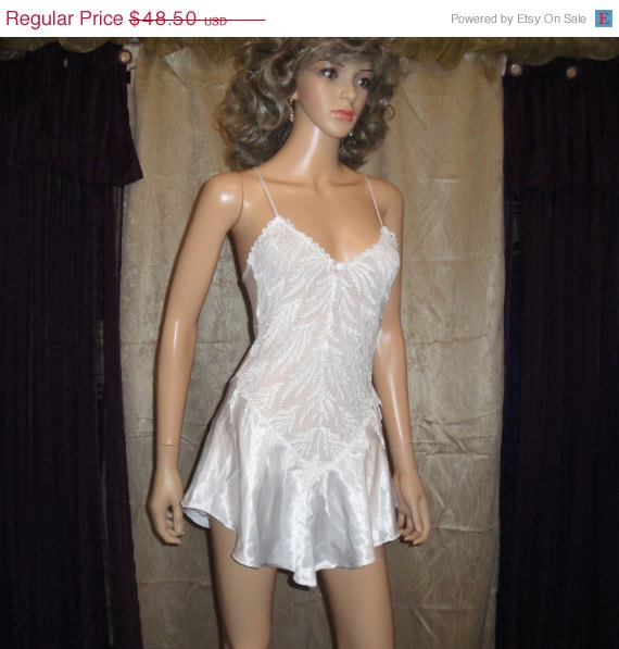 Wedding - Christmas In July Vintage Lingerie, Flora Nikrooz Bridal White with decorative lace and bead trim, Polyester, Made in USA, Sz Small, Sexy in