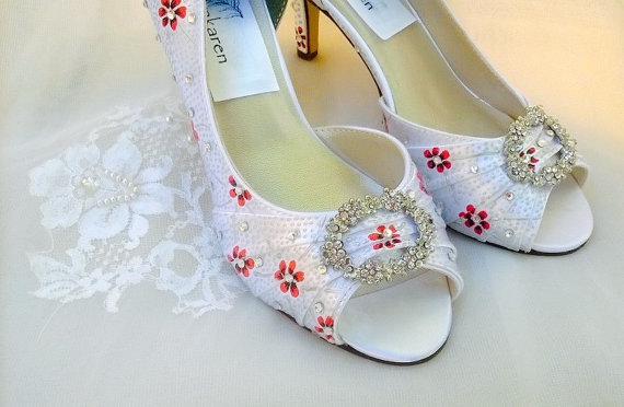 Mariage - White silver Wedding shoes , red daisies shoes, silver polka dots, silver dot pattern , white satin shoes, rhinestone brooch shoes, painted