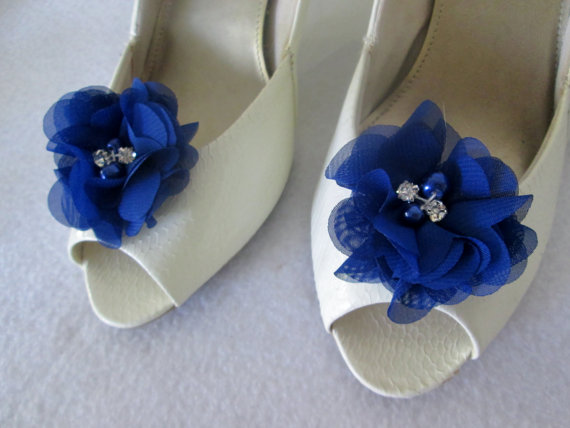 Mariage - Navy Chiffon flower shoe clips or bobby pins.  Rhinestone and pearl  shoe clips weddings, special occasion. You pick the color