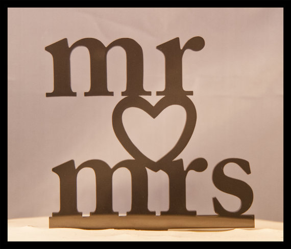 Свадьба - Wedding Cake Topper Mr and Mrs with Heart