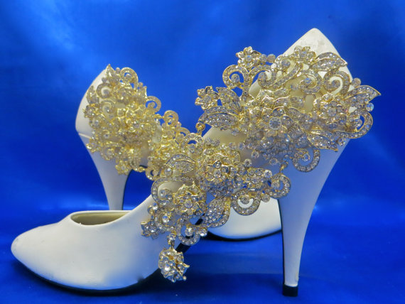 Свадьба - Rhinestone Shoe Clips, Gold Shoe Clips, Brides Shoe Clips, Wedding Shoe Clips, Rhinestone Bridal Shoes, Rhinestone Wedding Shoes