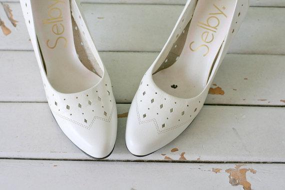 Hochzeit - Vintage MAD MEN White Leather Pumps...size 7 women...selby. glam. heels. pumps. shoes. wedding. bride. mad men. white pumps. designer. heels