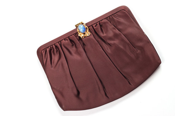 Свадьба - Brown Satin Purse w/ Blue Stone Clasp & Gold Chain - 1950s Vintage Handbag Clutch Purse Evening Bag Wedding Guest Chocolate Mocha Cappucino