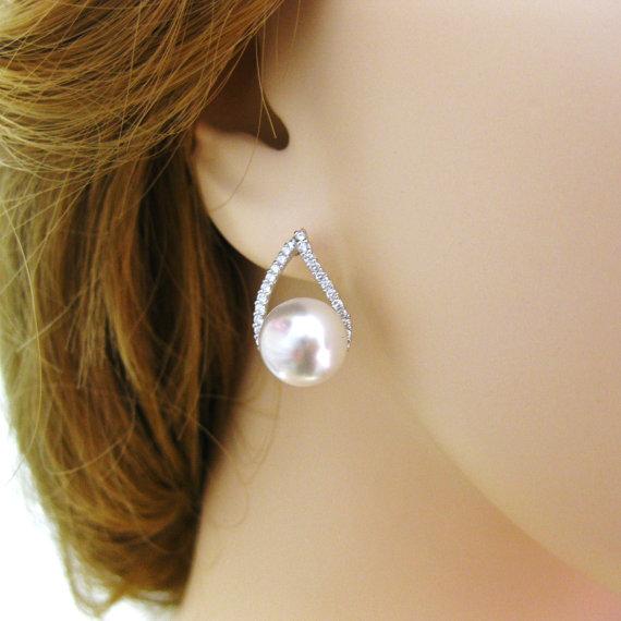 Свадьба - Swarovski 10mm Round Pearl Earrings Teardrop Stud Earrings Wedding Jewelry Bridesmaids Gift Bridal Earrings Cubic Zirconia Earrings (E105)