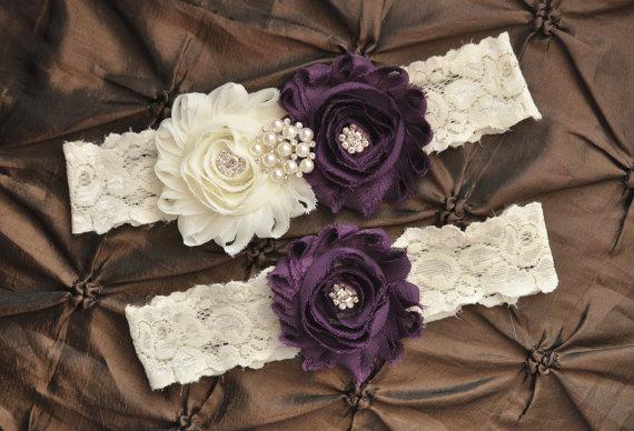 Свадьба - Wedding Garter Belt, Bridal Garter Set - Ivory Lace Garter, Keepsake Garter, Toss Garter, Plum Wedding Garter, Purple Wedding Garter Set