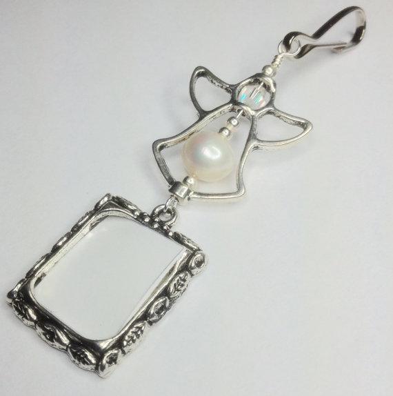 زفاف - Pearl Angel memorial charm. Wedding bouquet photo charm with freshwater pearl.