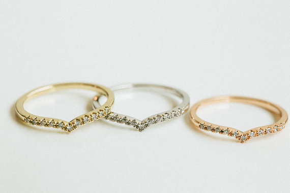 Mariage - Mini cz chevron knuckle ring,engagement ring,bridesmaid gift,stackable ring,stacking,knuckle ring,pinky ring,midi ring,wedding ring,SKD365
