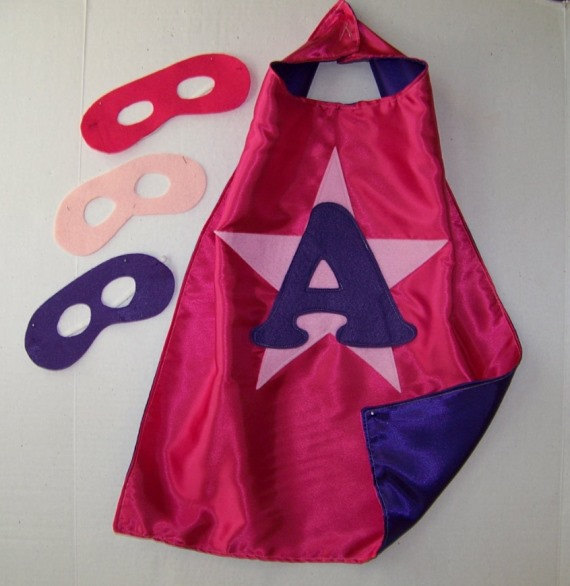 Mariage - Personalized, CUSTOMIZED, Double Sided with MASK  Superhero Party CAPES 4 Kids