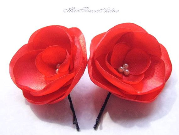 Mariage - Red Wedding Hair Clips Red Boutonniere Red Bridal Hair Flowers Red Hair Clips Intense Red Hairpins Red Lapel Flower Red groom Red Shoe Clips