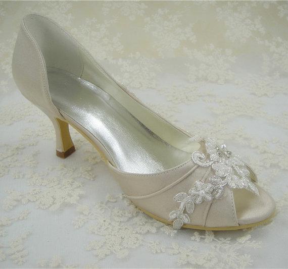 Свадьба - Wedding Shoes, Lace Bridal Shoes, Pearl Wedding Shoes, Lace Flower Bridal Shoes,  Bridesmaid Shoes, Beaded Lace Shoes, Peeptoe Shoes