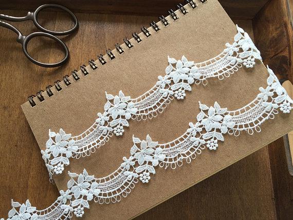 زفاف - Bridal Venice Lace Trim for Veils, Garters, Jewelry Costume Design , 2 yards