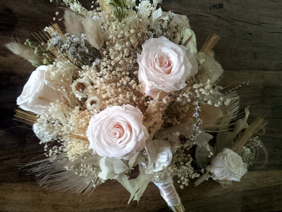 زفاف - Natural Wedding Bouquet and Boutonniere Set -  Romantic Vintage Wheat Preserved Rose Champagne Blush Feather Brooch Fall Autumn
