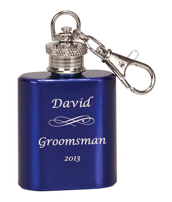 Свадьба - Laser Engraved Single Shot Mini Flask Key Chain Personalized for Groomsmen