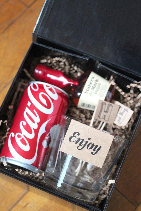 Hochzeit - Groomsmen Gifts: Bourbon And Coke Kits.