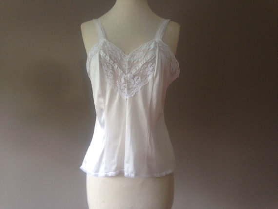 Hochzeit - 38 / Camisole Lingerie Top / White Nylon with Lace / By Formfit / FREE Shipping