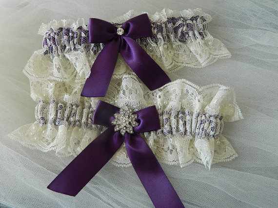 Mariage - Wedding Garter Set,Bridal Garter Set Ivory Chantilly And Eggplant With  Rhinestone Jewel