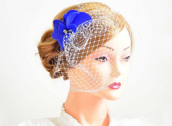 Mariage - Birdcage veil headpiece Bridal veil fascinator Simple fascinator with veil Bridal headpiece Head piece  White fascinator Flower headpiece