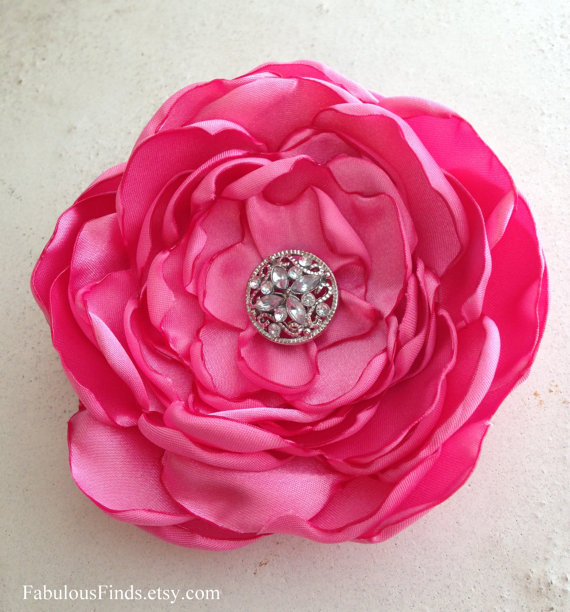 Mariage - Bubble Gum PInk Flower Hair Clip. Satin Pin and Hair Clip. Wedding Brooch. Bridesmaid. Corsage. MANY COLORS AVAILABLE