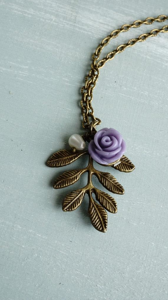 Hochzeit - Necklace, leaf, rose and pearl vintage style necklace