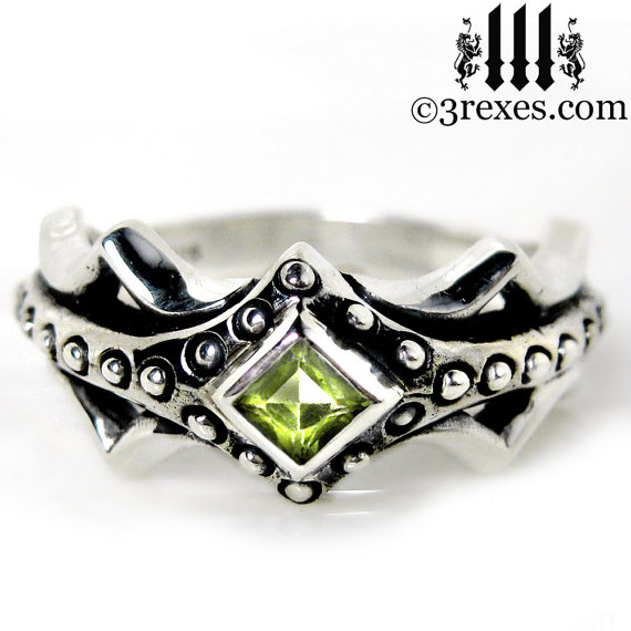 Свадьба - Fairy Princess Silver Engagement Ring Green Peridot Stone Size 8