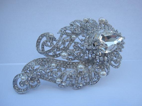 Mariage - bridal brooch pin wedding accessory bridal hair jewelry wedding brooch pin bridal accessory wedding accessory pearl brooch pin wedding dress