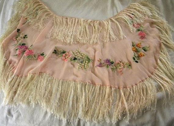 Свадьба - Charming Vintage Flapper Crepe Shawl Silk Fringe Embroidery