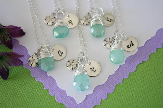 زفاف - 9 Personalized Bridesmaid Sand Dollar Necklaces, Bridesmaid Gift, Beach Wedding, Sterling Silver, Gemstone, Initial jewelry, Charm