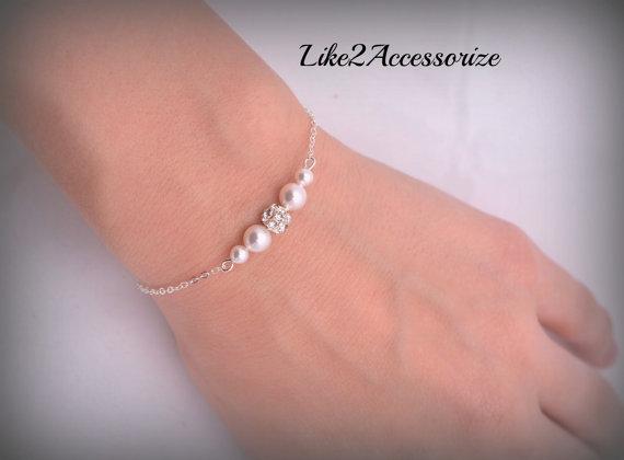 Mariage - Bridal Bracelet, Swarovski Pearl Wedding Bracelet, White Ivory Bracelet, Wedding Jewelry, Bridesmaid Gift, Chain Pearl Bracelet, Rhinestone